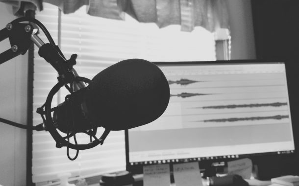 7 Trading Podcasts Traders Need To Hear